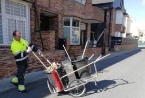 """Las  opiniones de los vecinos de  Valdemorillo , muy  válidas para  evaluar el nuevo servicio  municipal de  limpieza  """" y  mejorarlo entre todos """""""