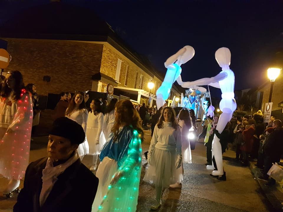 """El centro urbano de Valdemorillo brilló con la magia, colorido y gran ilusión que despertó a su paso  """"una muy vistosa y participativa Cabalgata de Reyes"""""""
