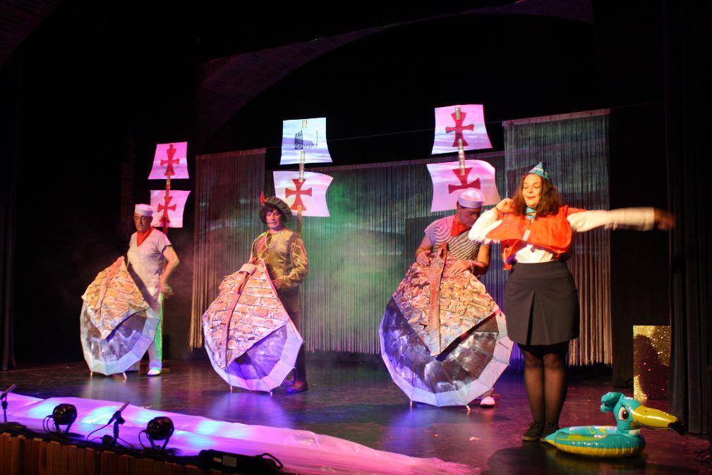 Valdemorillo se acerca como escenario virtual en este Día Mundial del Teatro y conmemora la fecha ofreciendo vía redes la representación del musical 'Colón y Compañía'