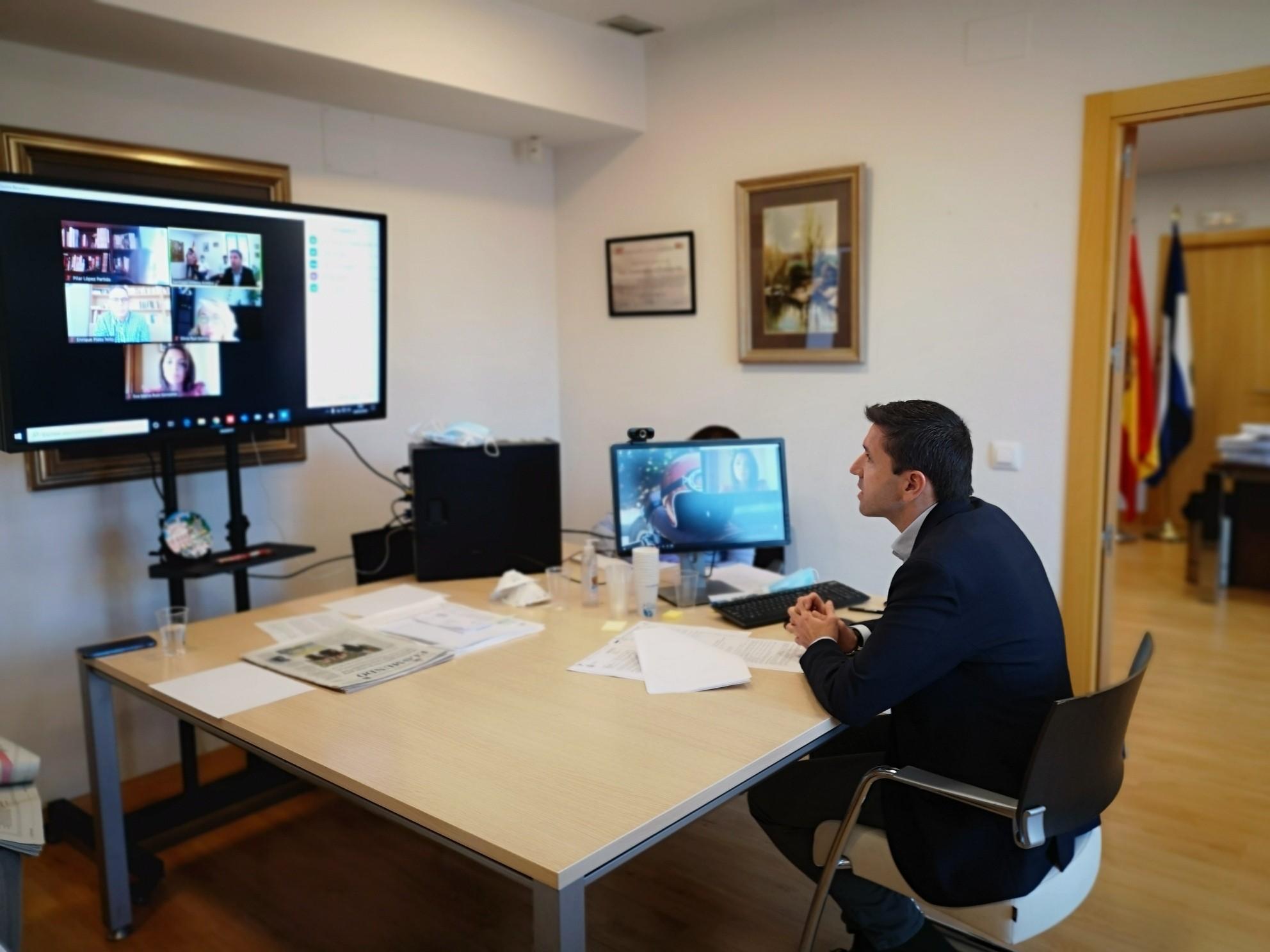 Nueva reunión de la Junta de Portavoces centrada en la concesión de ayudas  a pequeños empresarios y familias de Valdemorillo por valor de 300.000 euros