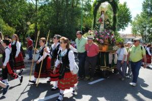 Valdemorillo reúne ya fotos y vídeos  entre todos sus vecinos para celebrar  este domingo 7 de junio una 'gran' romería virtual  en honor a la Virgen de la Esperanza