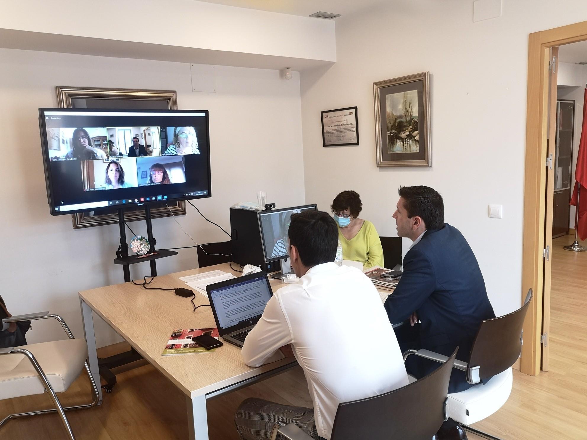 La Junta de Portavoces estudia el contenido de las bases  para la concesión de ayudas a los autónomos, pequeños empresarios y familias de Valdemorillo