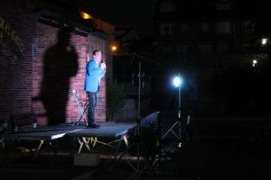 Félix el Gato aplaude al público de Valdemorillo  a su paso por Festi 'Valde' Risas,  uno de los 'estrenos' culturales de este verano 2020