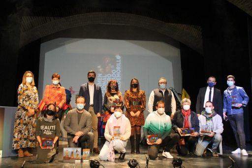 Diversas triunfa en Valdemorillo con '¡Ay! Carmela'  y alza a sus actores, Javier P. Tiscar y Marina León, como los mejores  en el XIX Certamen Nacional de Teatro Aficionado