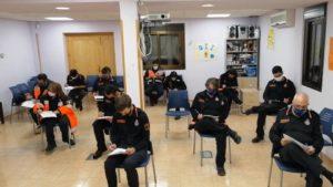 """Los voluntarios de Protección Civil suman más formación  """"para mejorar en eficacia, rapidez y coordinación""""  y aumentar la seguridad de los vecinos de Valdemorillo  en materia de extinción de incendios y salvamento"""
