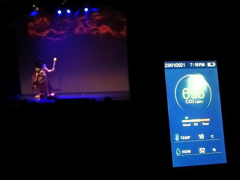"""La Giralt Laporta alza el telón este 2021 con el estreno de medidores de aire en el Auditorio y las aulas de la EMMDEA """"para garantizar una cultura aún más segura en Valdemorillo"""""""