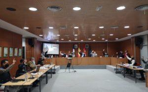 El Ayuntamiento da luz verde para tramitar ya la concesión  de las ayudas sociales a familias y cheque escolar