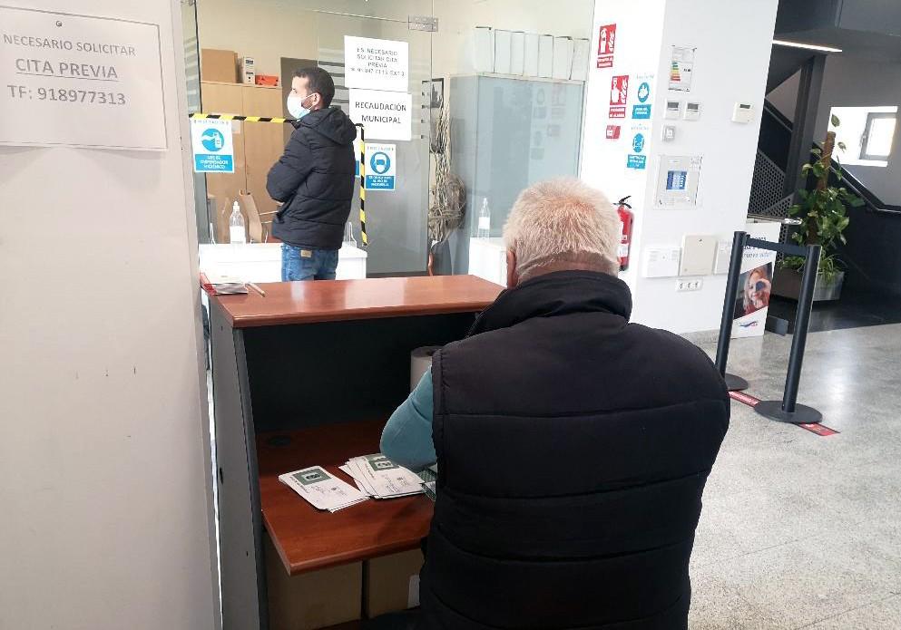 El Ayuntamiento de Valdemorillo mantiene como prioridad  su apuesta por el fomento del empleo  y completa la contratación temporal de 18 personas  a las que la pandemia dejó en paro