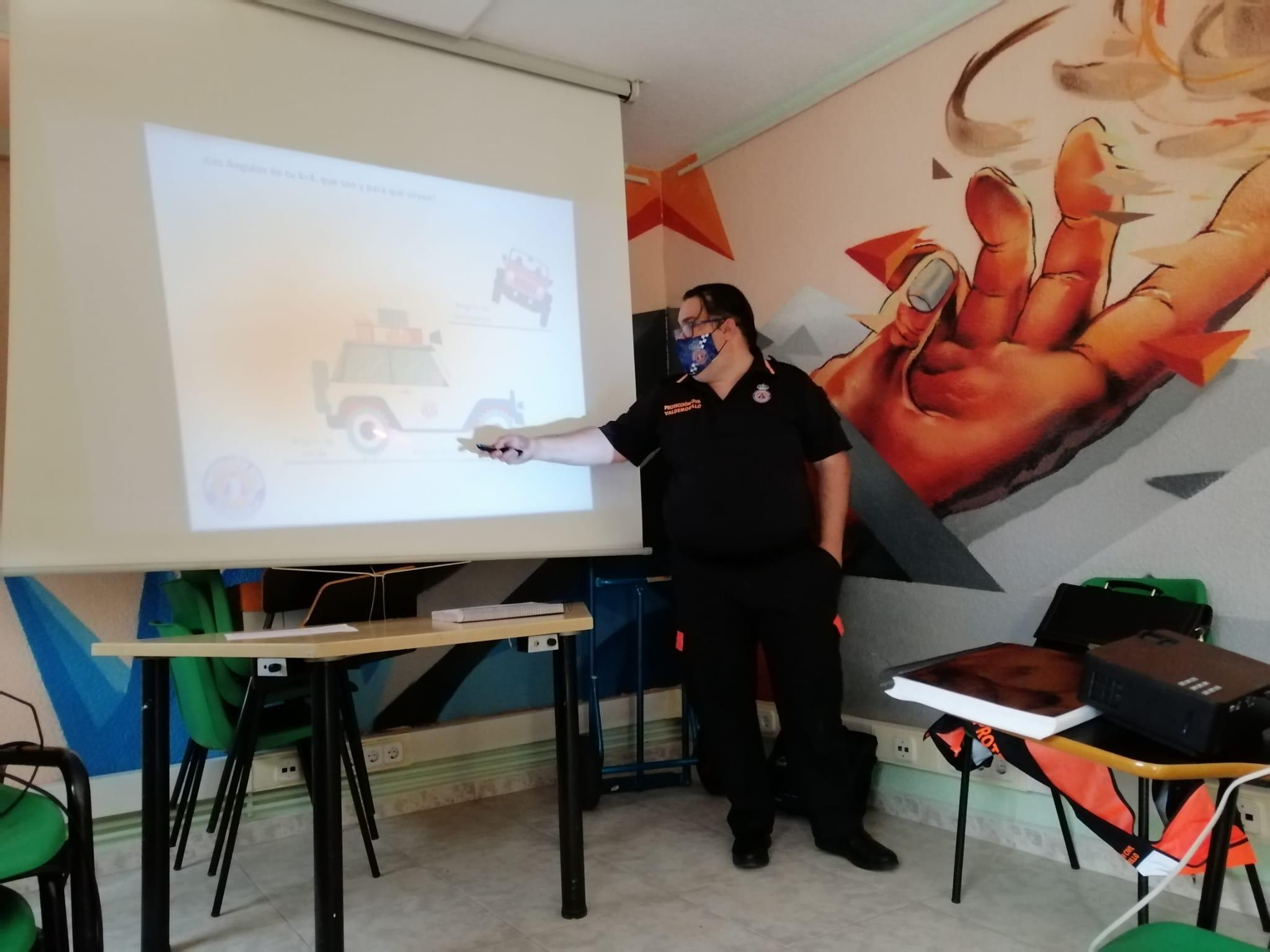 Los voluntarios de Protección Civil de Valdemorillo reciben formación especializada para un mejor manejo de vehículos de tracción integral