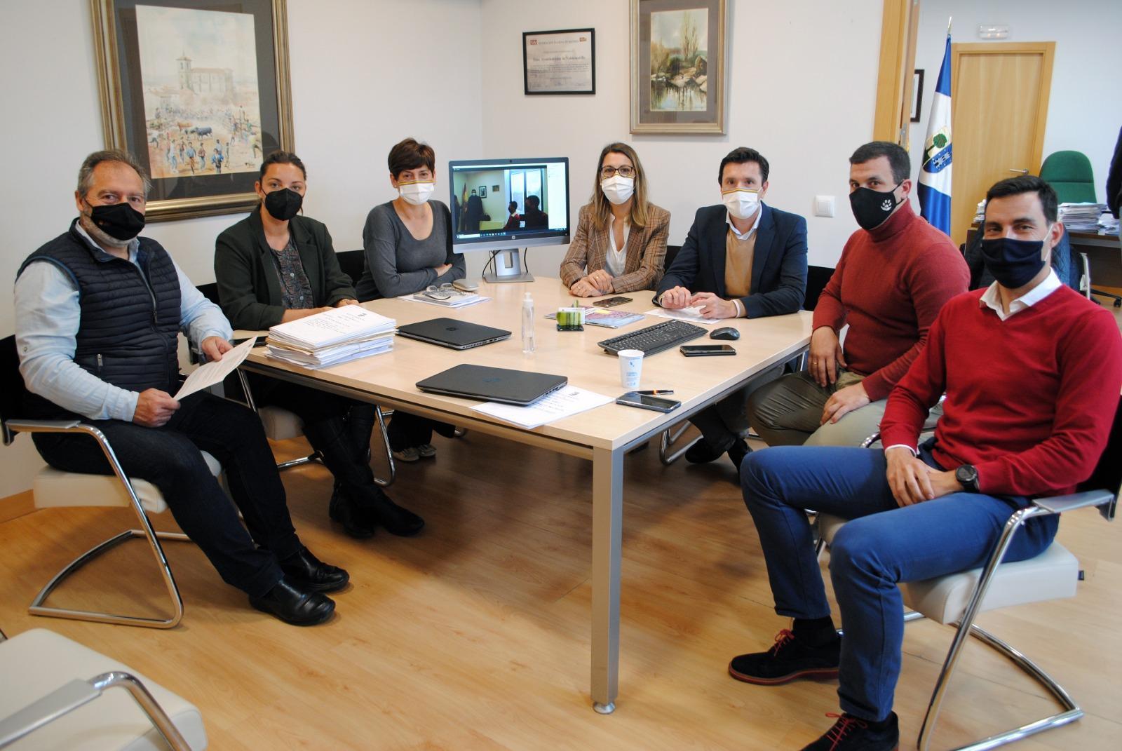 La Junta de Gobierno aprueba las normas de convocatoria para las ayudas a autónomos y pymes por importe de 220.000€