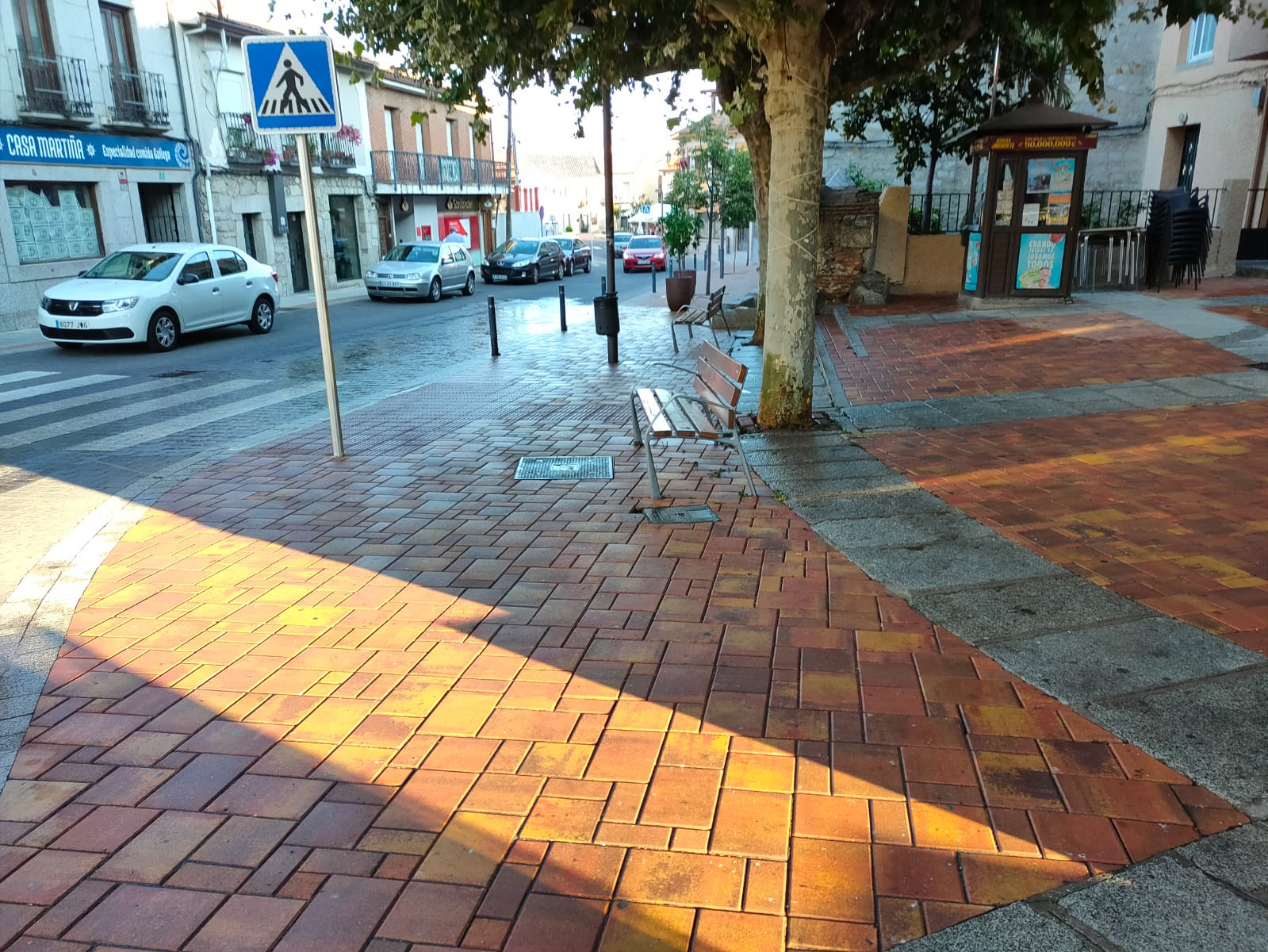La concejalía de Limpieza y Servicios impulsa una acción intensiva para mantener calles y plazas libres de excrementos de palomas y otras aves