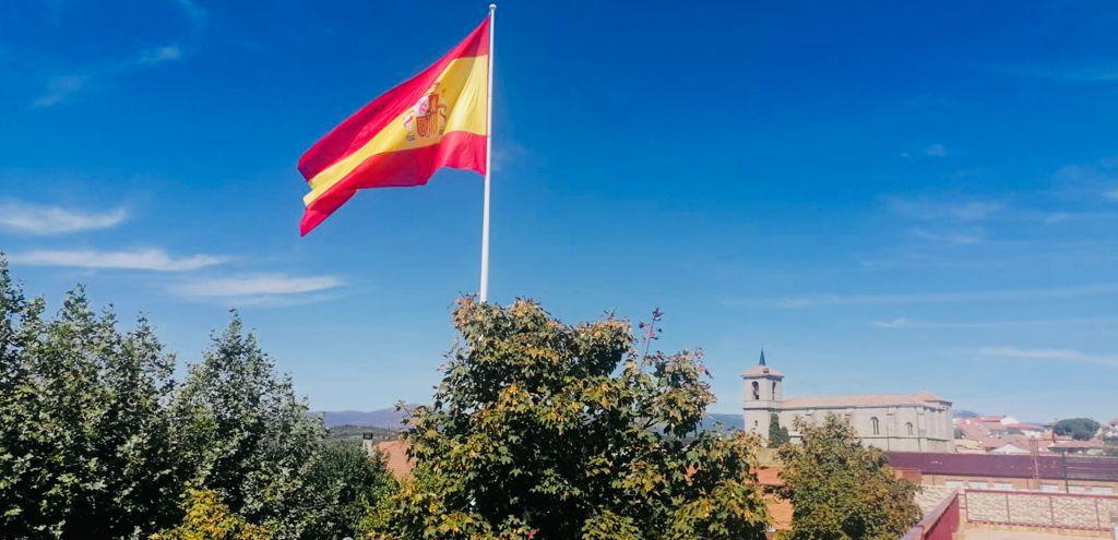"""El Ayuntamiento inaugura el  Monumento a las Víctimas del Terrorismo  dignificando su recuerdo como """"testimonio del amor a España y a la libertad"""" al situarlo junto a la enseña nacional"""