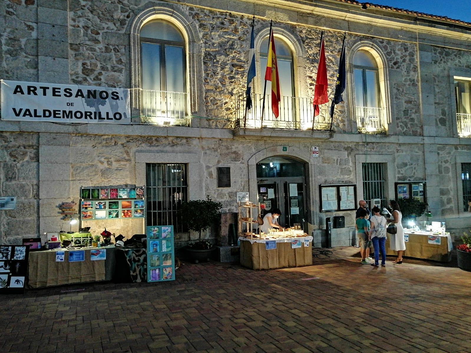 Valdemorillo reúne las creaciones más singulares hechas a mano en su Plaza de la Artesanía que desde este 2 de julio  podrá visitarse  todos los viernes y sábados hasta el 3 de septiembre