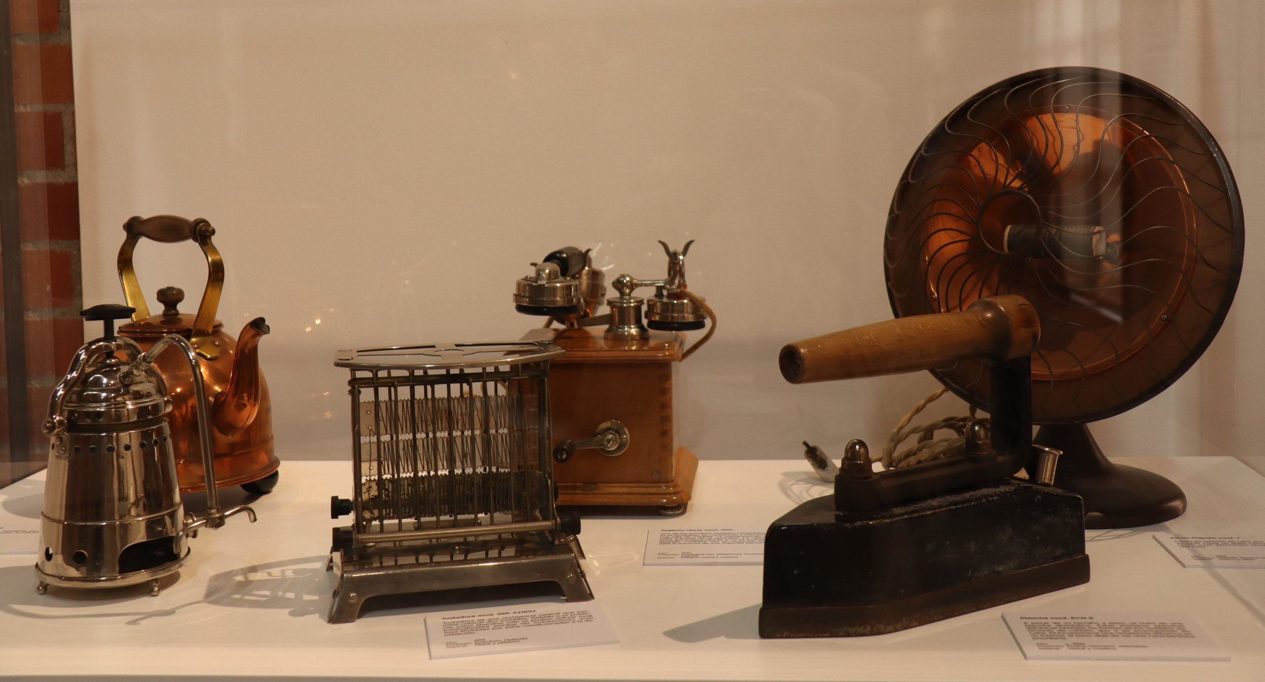 La Giralt Laporta se abre a la visita de la historia más cotidiana mostrando los electrodomésticos que mecanizan nuestras casas desde 1910