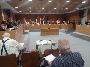 Aprobada por el Pleno la nueva medida que reduce la carga tributaria al sector comercial y hostelero de Valdemorillo con el objetivo de incentivar la actividad económica local